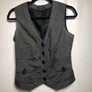 Womens Grey Vest. Le Chateau. Size medium.
